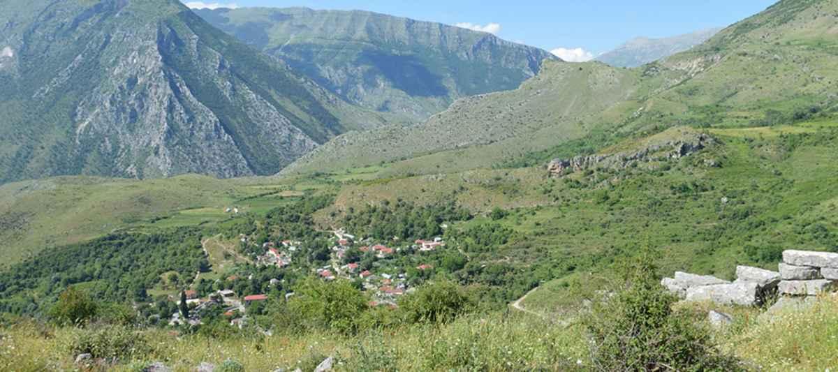 LABOVA E KRYQIT CASTLE